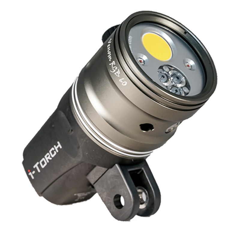 iTorch Venom 60 Video Light underwater