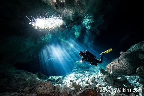 cavern scuba diver